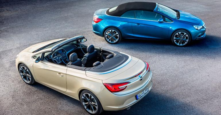 Nearluxury Cascada 4seat midsize convertible positioned atop Opel lineup