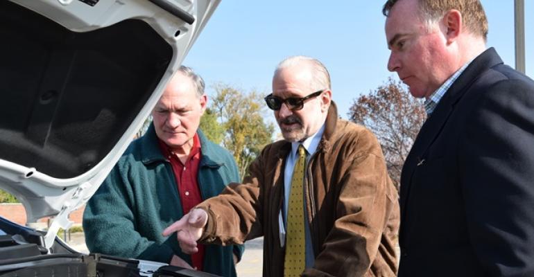 WardsAuto editors Steve Finlay Drew Winter and James Amend discuss hydrogenpowered Hyundai Tucson FCV