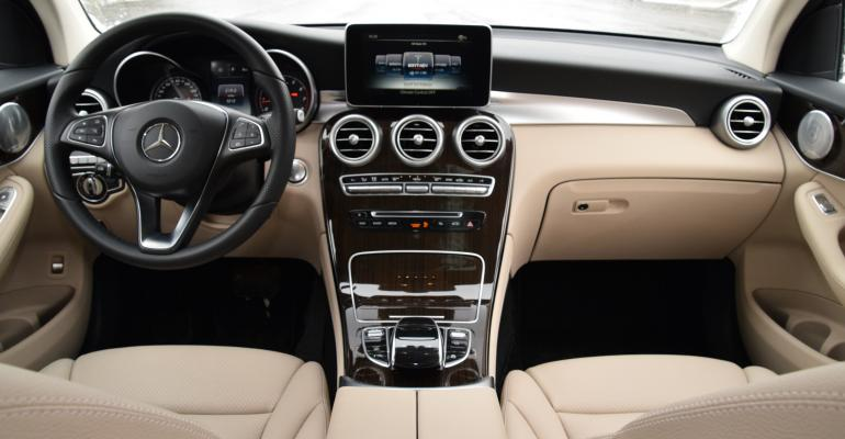Wards 10 Best Interiors Mercedes Glc Cuv Nails It Wardsauto