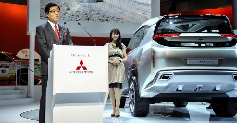 Masuko shown introducing Concept GC plugin hybrid at 2013 Tokyo auto show bullish on ICE alternatives
