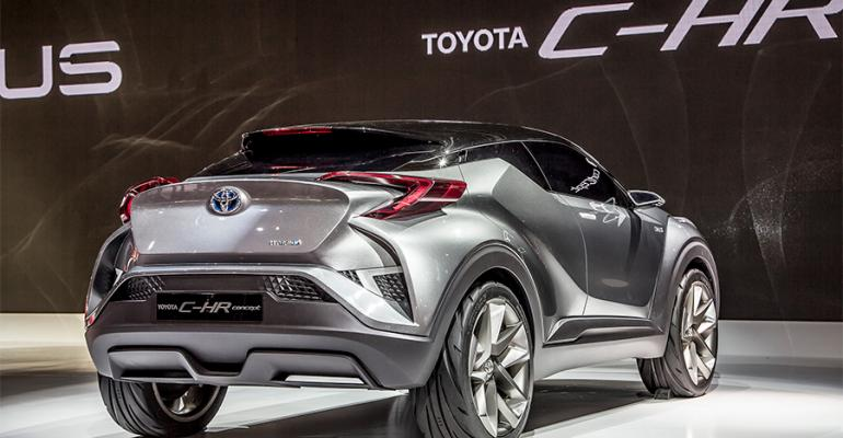 Toyota C Hr Coupe High Rider Compact Cuv Blends