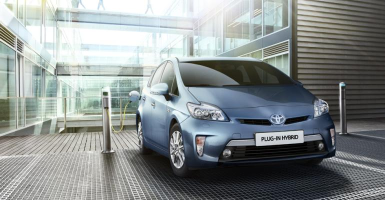 New Prius sales more than triple 2015 total in firsthalf 2016