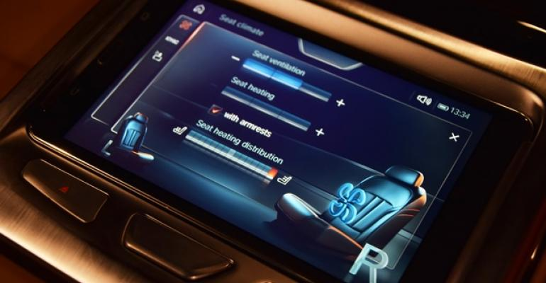 Climate controls in BMW 750xi let 2ndrow passengers personalize comfort zone
