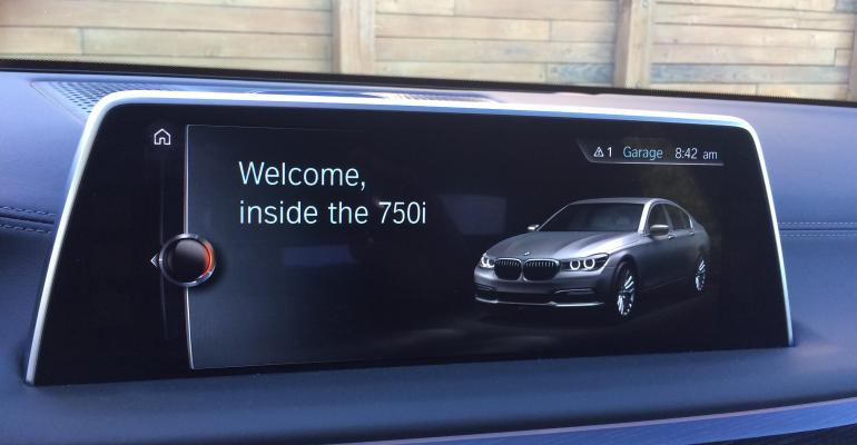 BMW 750xi welcome screen