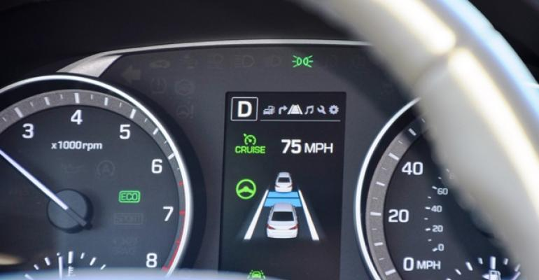 Hyundai Elantrarsquos adaptive cruise control reliably identifies and reacts to vehicles ahead in traffic