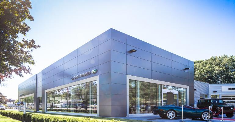 penske jlr dealership first to adopt new global design wardsauto. Black Bedroom Furniture Sets. Home Design Ideas