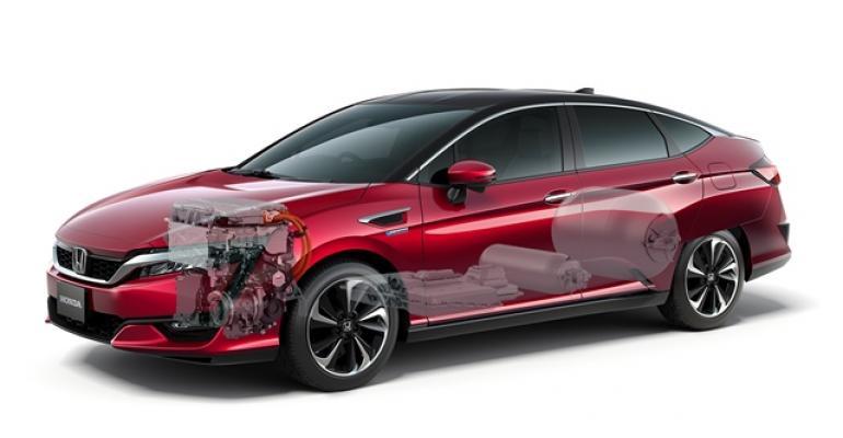 Downsized fuelcell powertrain fits under sedan hood