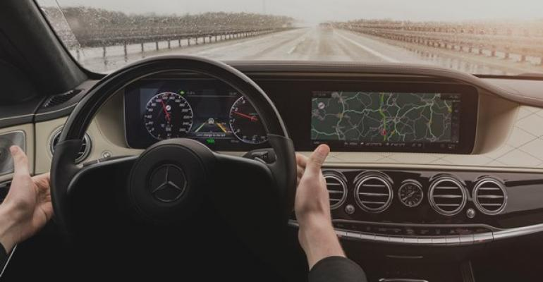 SClass allows autonomous steering for up to 30 seconds