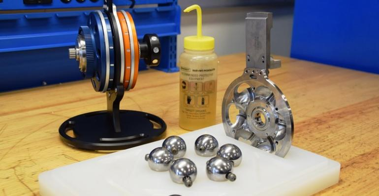 Dana VariGlide variator left uses planets carriers and traction fluid to transmit torque