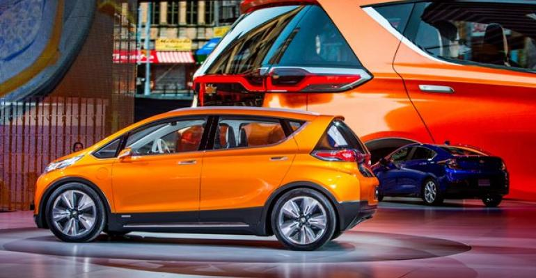 Chevy Bolt left Volt at 2015 Detroit auto show