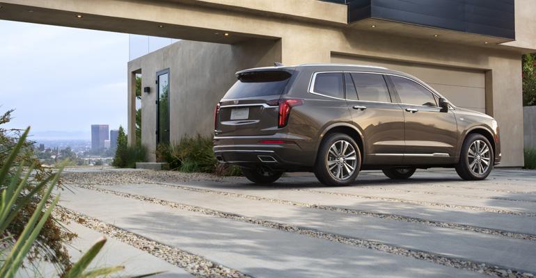 2019 NAIAS | 2020 Cadillac XT6 Your 'Everyday Escalade ...