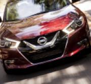 Nissan's VQ V-6 Engine Makes a Comeback on Wards 10 Best