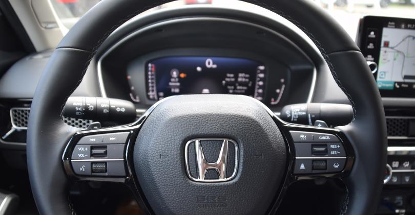 02 2022 Honda Civic wheel closeup.JPG