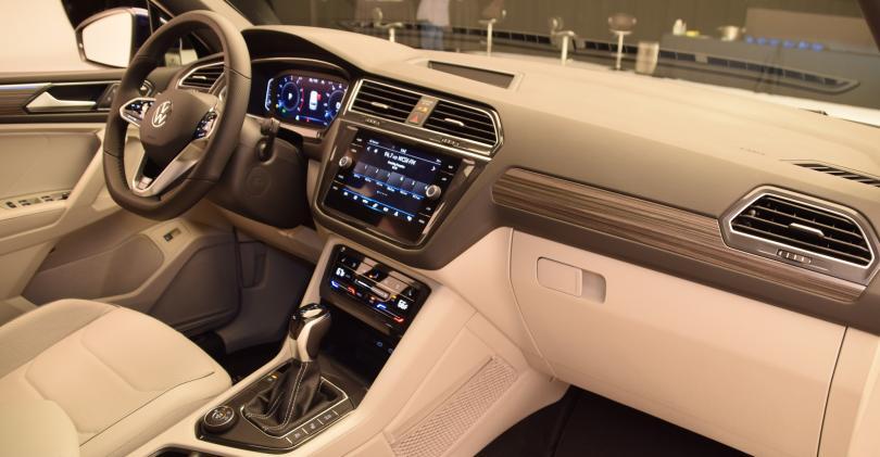 GAL MAIN 2022 VW Tiguan pass view IP.JPG