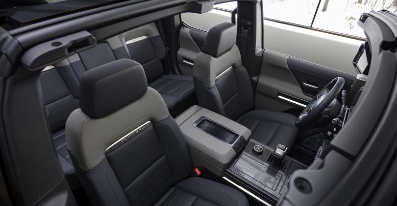 embed 1 2024-GMC-HUMMER-EV-SUV-036.jpg