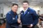 Union chief Kim left GM Korea CEO Kazim at signing of wagefreeze agreement
