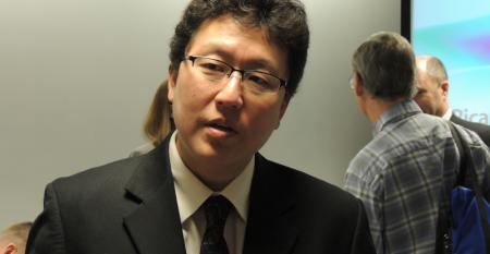 EPArsquos Edward Nam speaks with attendees at Ricardo event