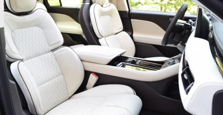 Lincoln Aviator front seats from pass side.JPG