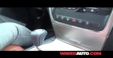 Jeep Grand Cherokee - Ward's 10 Best Interiors of 2011 Judging