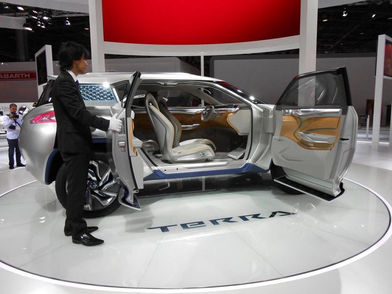 Nissan Reveals Fuel Cell Concept Suv At Paris Show Wardsauto