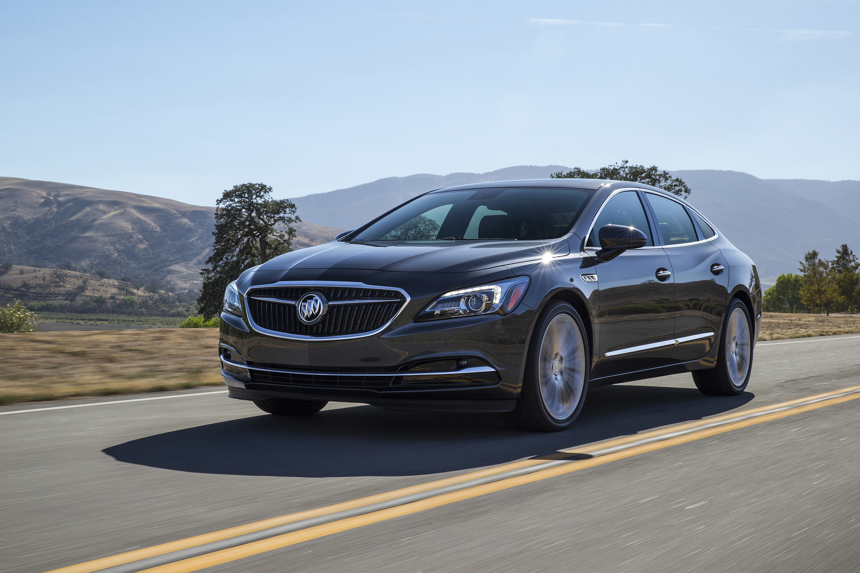 Redesigned 17 Buick LaCrosse Steps Out in L A