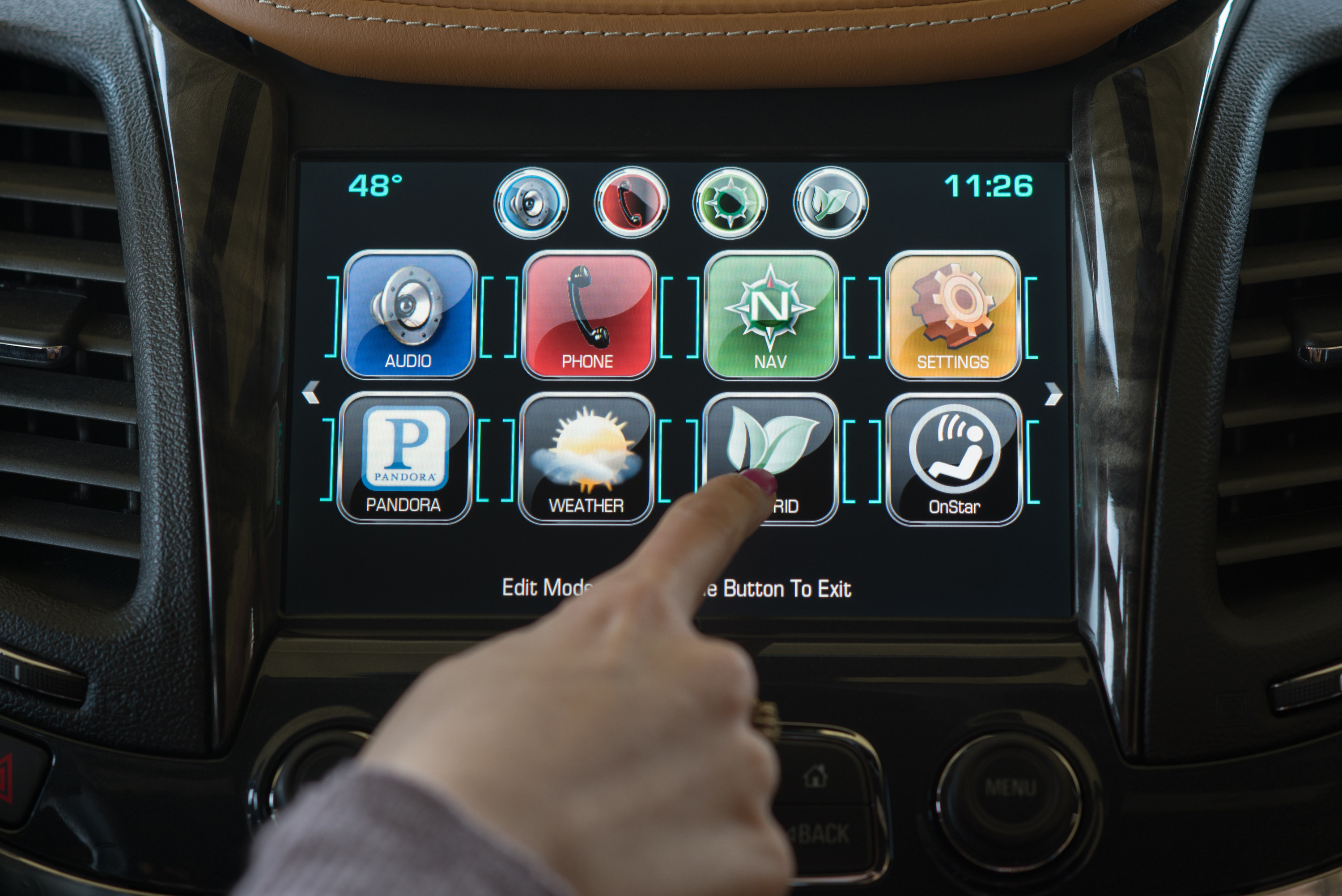 system auto chevy infotainment impala market automotive connected mylink systems technology distractions distracted cybersecurity driving cars unnecessary survey navigation raking