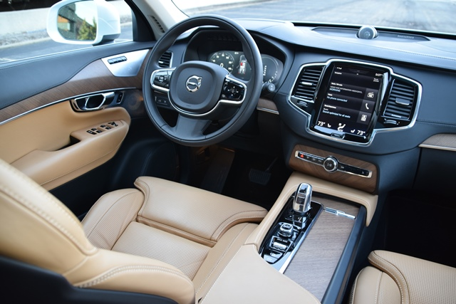 Volvo Xc90 Interior >> Volvo Xc90 Cabin Delivers Hypnotic Beauty Wards 10 Best