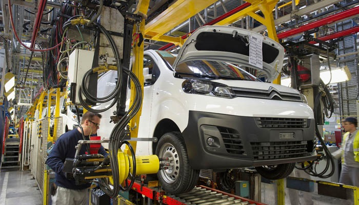 Automaker Extends Night Shift At Plant Building