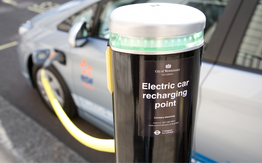 Best Ev Cars >> Electric Vehicles | U.K. May Require Charge Points at All ...