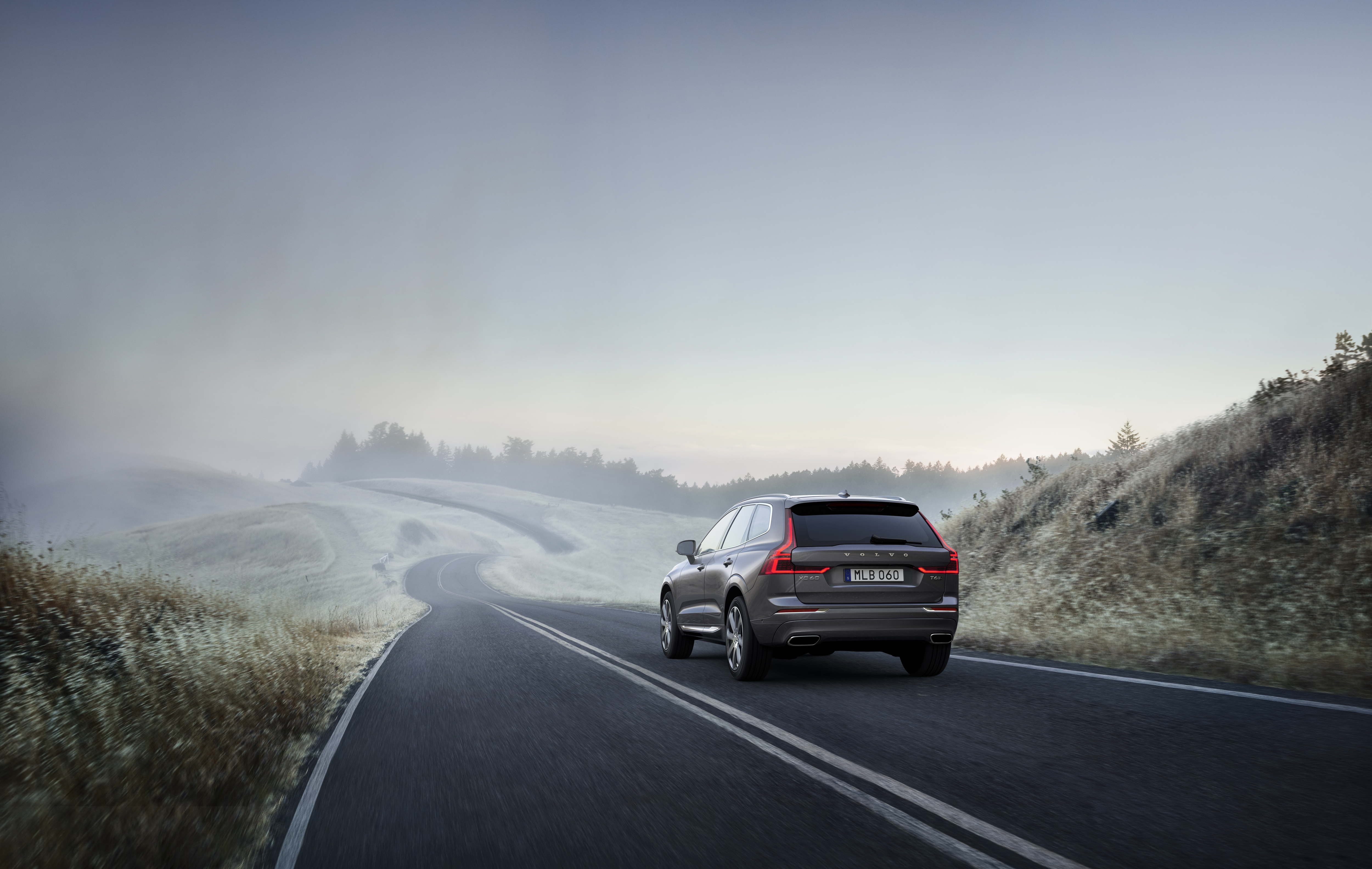 Volvo XC60 Attacks Hot Luxury CUV Market