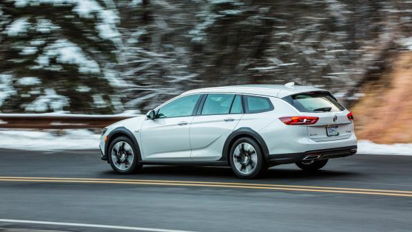General Motors 18 Buick Regal Tourx Finishes What Sportback
