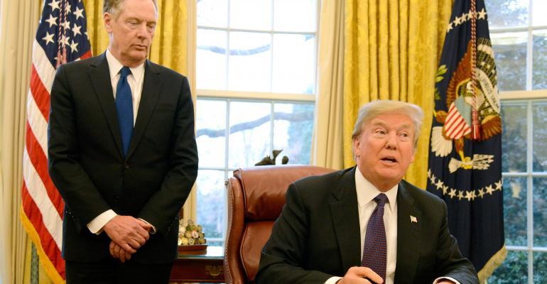 President Trump with U.S. Trade Representative Robert Lightizer.
