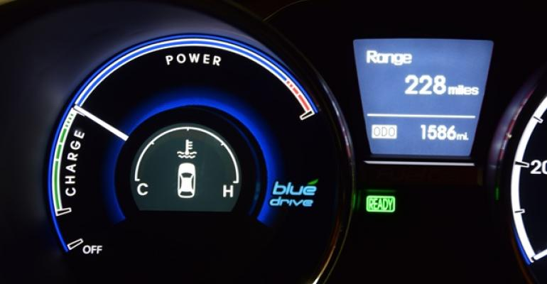 Display in Hyundai Tucson FuelCell Vehicle shows 228 miles 367 km of range
