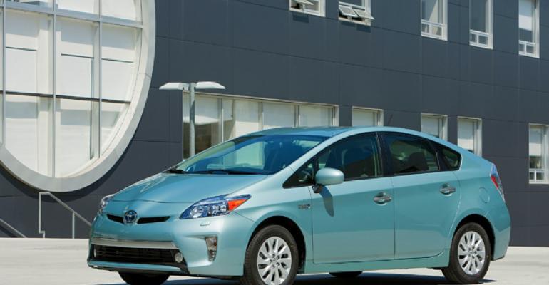 Upcoming Prius plugin to achieve 50 mpg fuel economy