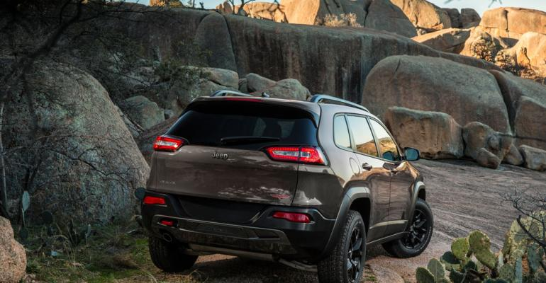 rsquo14 Jeep Cherokee Trailhawk unveiled at New York show
