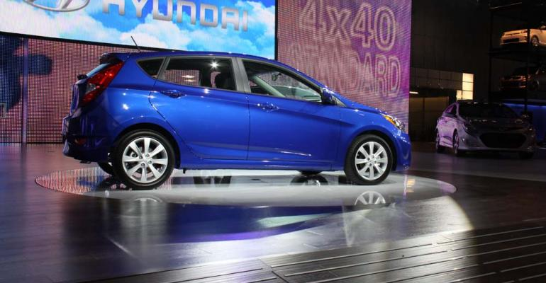 Hyundai promoted 40 mpg highway at 2011 New York auto show