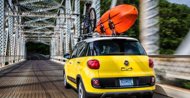 Fiat delivers more than 3000 500 subcompacts monthly
