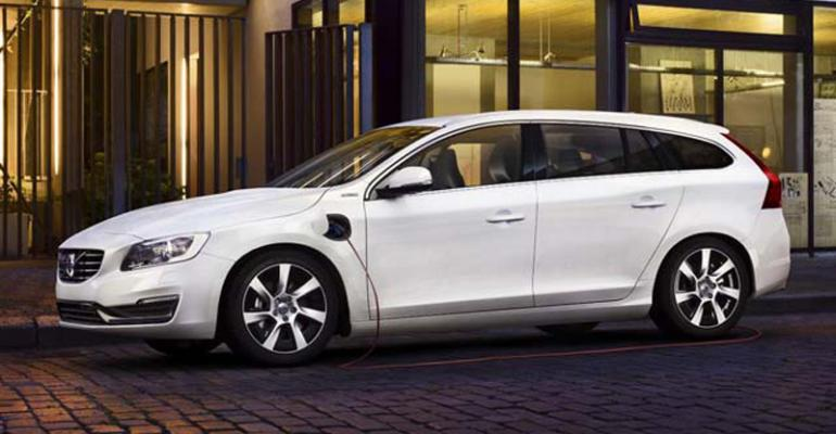 Growth in PHEV registrations lags overall market