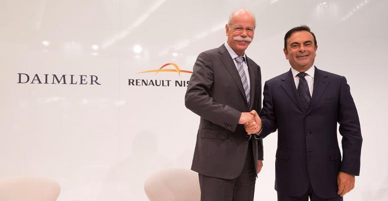 Daimlerrsquos Dieter Zetsche left RenaultNissanrsquos Carlos Ghosn to announce new JV