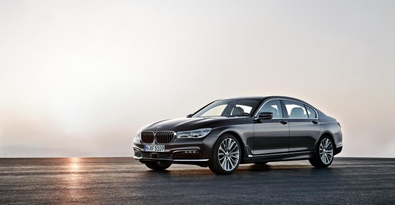 Pricing for allwheeldrive 750i xDrive starts at 97400