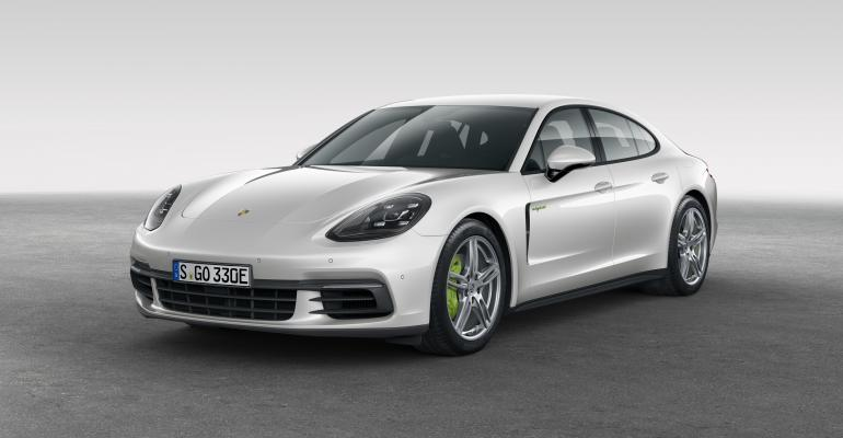 Panamera 4 EHybrid puts accent on performance but still achieves 941 empg
