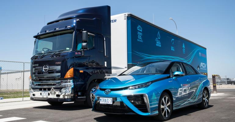 Mobile hydrogen refueling station keeps Mirai fuelcell vehicle rolling