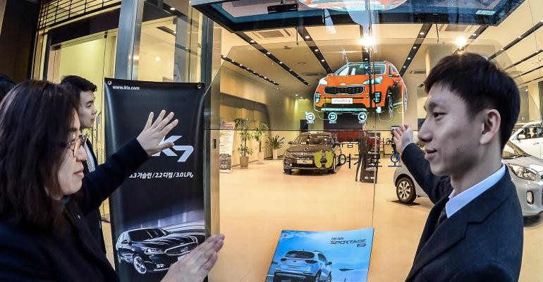 Kiarsquos 3D vehicles allow shopping on street