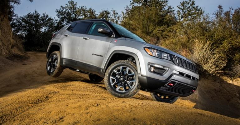 Trailhawk 4WD can send 1475 lbft of torque to rear wheel with grip