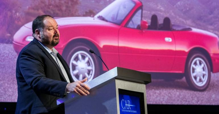 Davis urges government to let automakers find best powertrain solutions