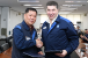 Union chief Kim left GM Korea CEO Kazim at signing of wagefreeze agreement