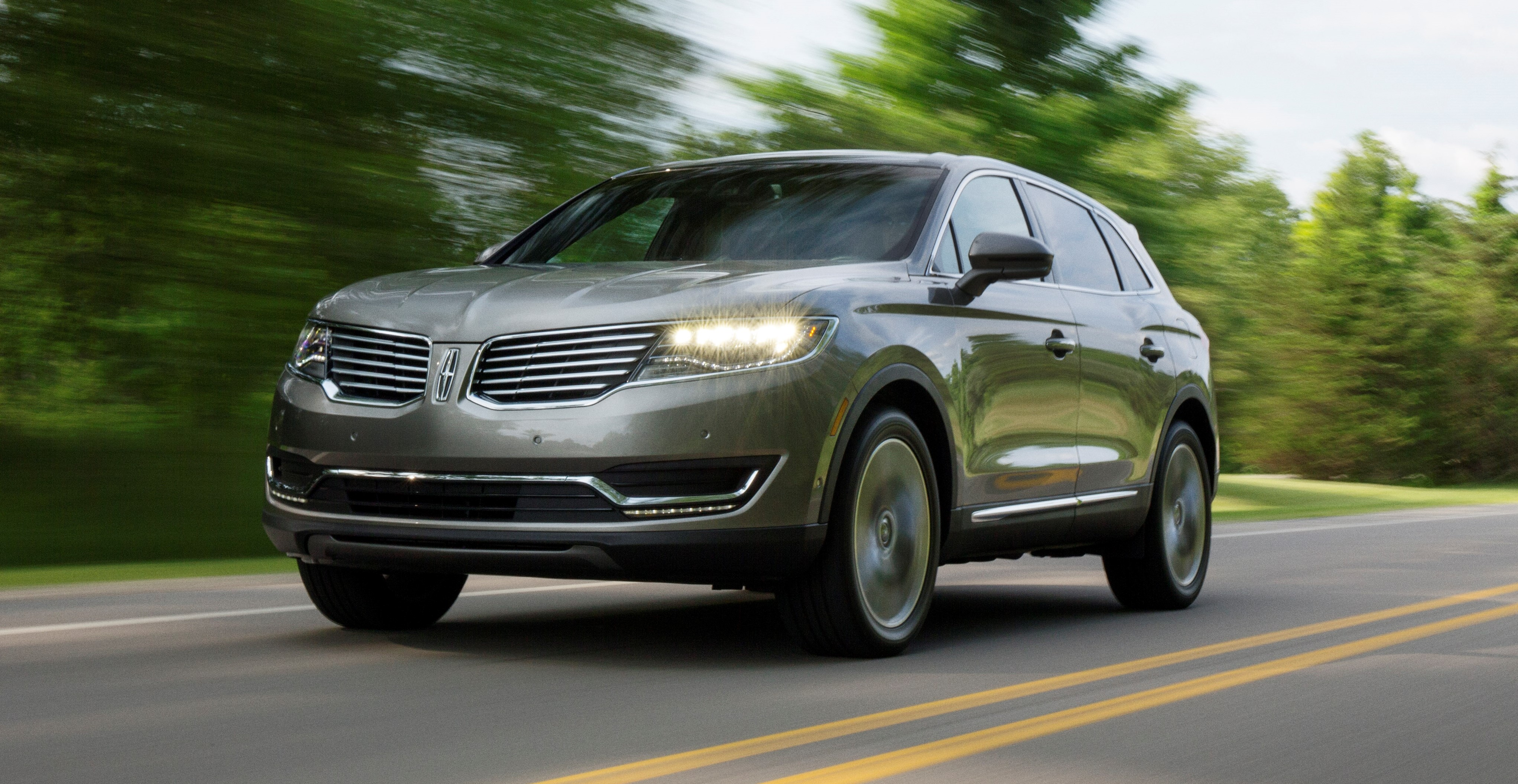 luxury story new la cars first phase face hr brand of renewal mks lincoln upgrade mkz money completes show ford